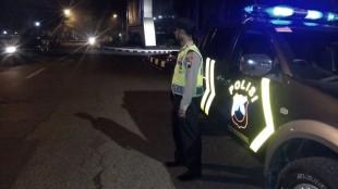 Anggota Polsek Wonosobo melaksanakan kegiatan patroli dan pengamanan di Alun - alun Kab. Wonosobo