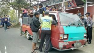 Polsek sapuran siap kawal para aksi damai digedung DPRD Kab Wonosobo