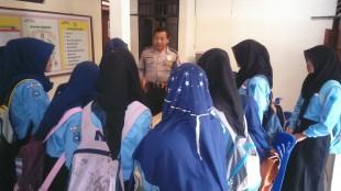 Kanit Binmas Polsek Kepil Aiptu M. Ma'ruf menjelaskan Cinta Remaja dan Permasalahannya