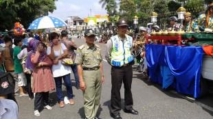 PAM karnaval dan kesenian tradisional di Wonosobo.