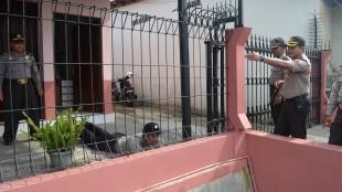 Latihan Pengamanan Markas Polres Wonosobo