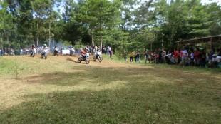 Kejuaraan Motor Cross/Grasstrack Di Sirkuit Agro Wisata Enduro Cross Tanjungsari Sapuran