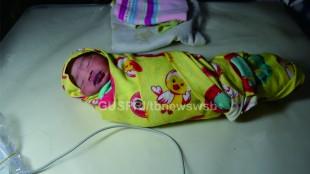 Bayi yang ditemukan disamping saluran air Kp. Pagude