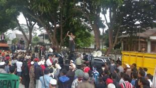 Penolakan raperda hiburan malam Berlanjut, kapolres Wonosobo Ajak Massa melakukan Aksi Damai
