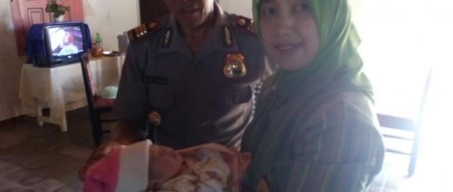 Bayi Cantik dibuang di Selokan Dusun Kembaran kalikajar Wonosobo