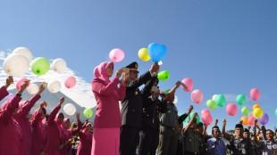 Pelepasan balon harapan dalam Upacara HUT Bhayangkara ke-70 Polres Wonosobo