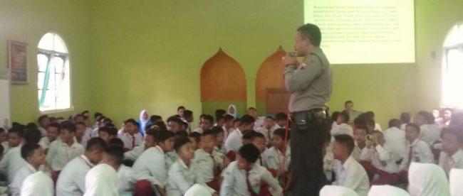 Kanit Binmas Binluh MPLS(Masa Pengenalan Lingkungan Sekolah ) di SMP N I Kalikajar