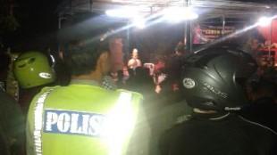 Anggota Polsek Wonosobo Melaksanakan Pengamanan Pentas Seni Tari Lengger di Desa Wonosari