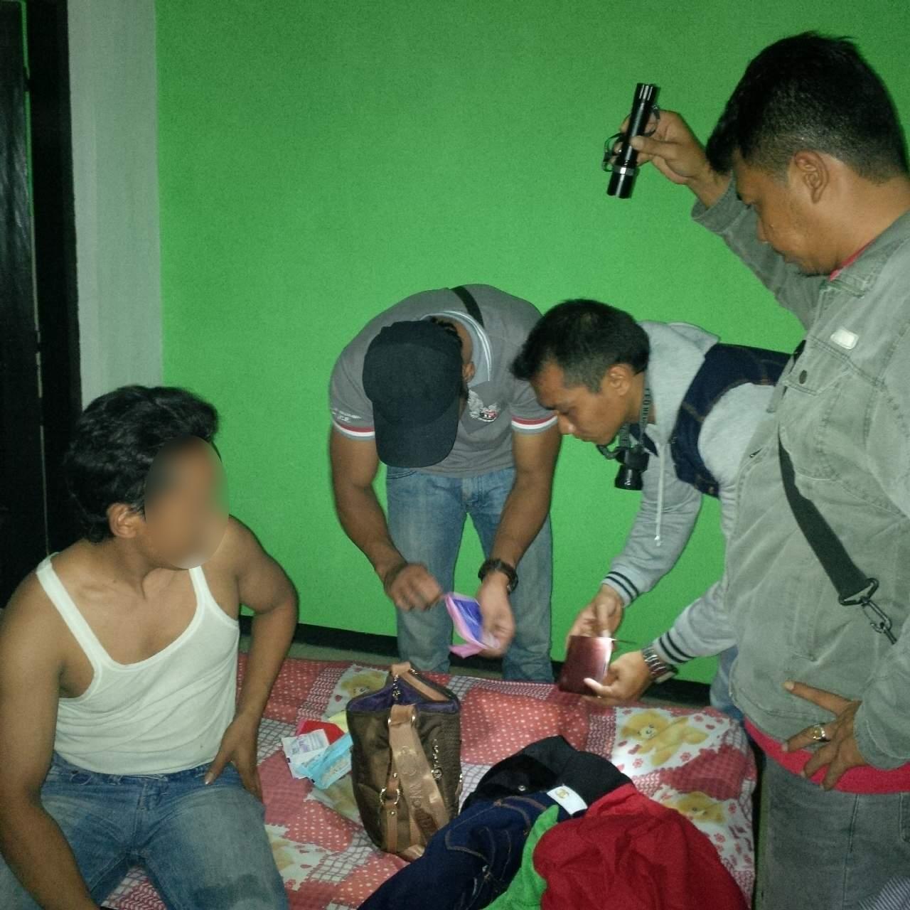 Sat Resnarkoba Geledah barang bawaan Pengunjung Hotel