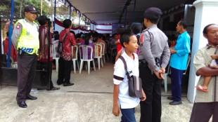 Aiptu Rudi N dab Bripka Edi S Amankan Kegiatan ulang Tahun GKJ Induk Bendungan Selomerto
