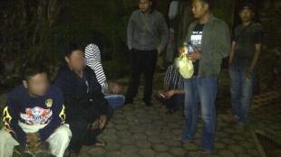 Mabuk di Alun-alun digelandang Resmob