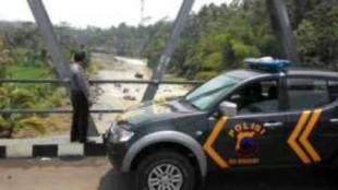 patroli di daerah sungai serayu