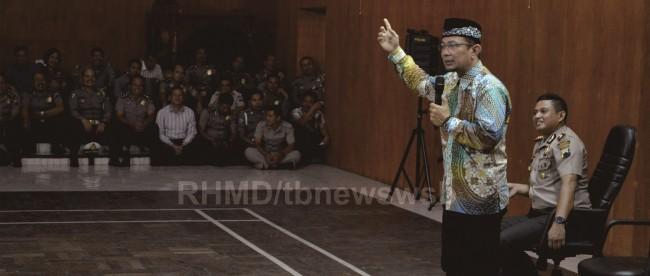 Ustadz Wijayanto memberikan tausiyah kepada anggota Mapolres Wonosobo