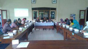 Waka Polsek menghadiri rapat bersama muspika di Aula Kec.Kalikajar