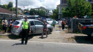 Bripda Arwianto melaksanakan pengaturan Lalulintas di Depa, GKJ Wonosobo Timur Sapuran