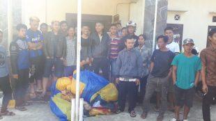 Dalam kegiatan itu personel mendapati beberapa warga yang hendak menerbangkan balon kemudian diamankan untuk dibina dan dibawa ke Mapolsek Sapuran.